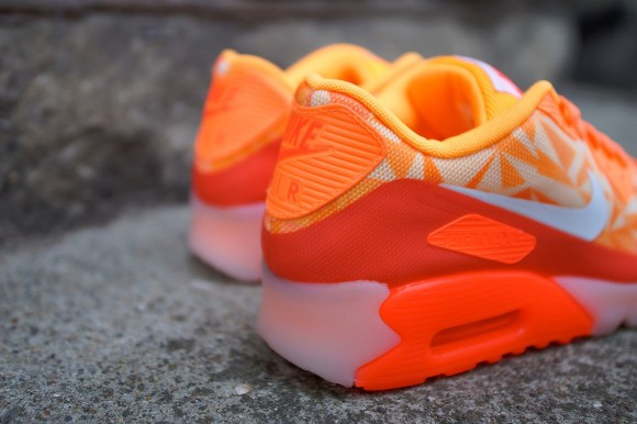 nike-air-max-90-ice-atomic-mango-4
