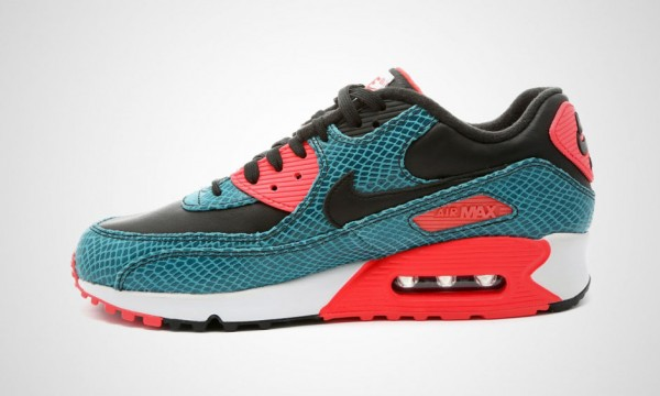 "Nike Air Max 90 ""Infrared"" Re-Interpreted 32"