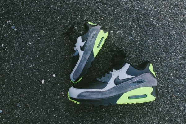 Nike Air Max 90 Leather - Black / Grey - Volt 10