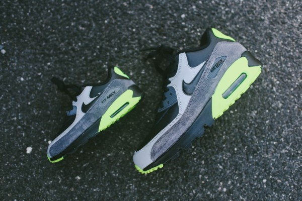 Nike Air Max 90 Leather - Black / Grey - Volt 2