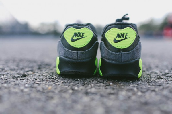 Nike Air Max 90 Leather - Black / Grey - Volt 8