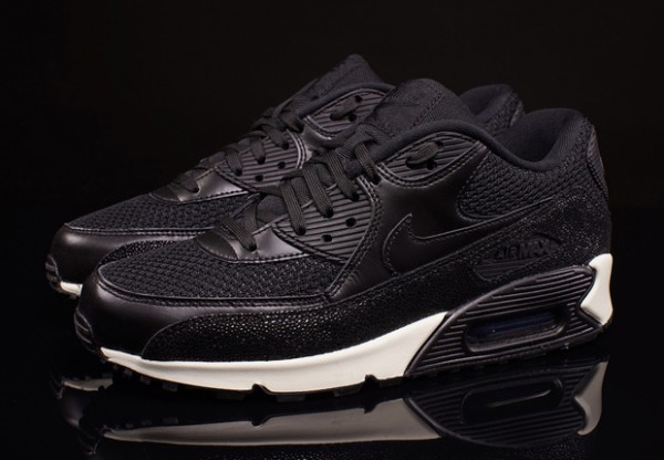"Nike Air Max 90 Leather ""Stingray"" 2"