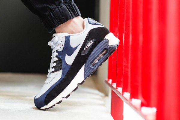 Nike Air Max 90 Leather - Wolf Grey / Midnight Navy - Black 2