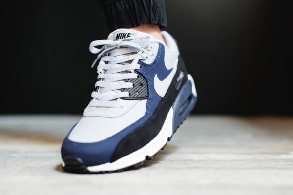 Nike Air Max 90 Leather - Wolf Grey / Midnight Navy - Black 3
