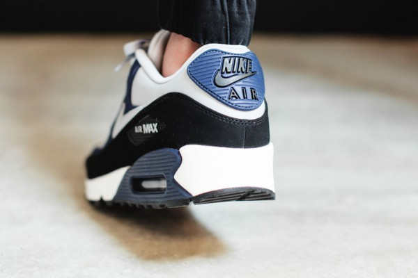 Nike Air Max 90 Leather - Wolf Grey / Midnight Navy - Black 4