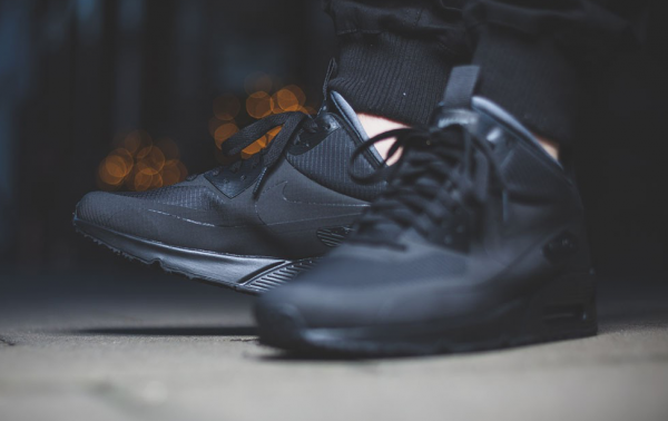 "Nike Air Max 90 Mid Winter ""Triple Black"" 2"