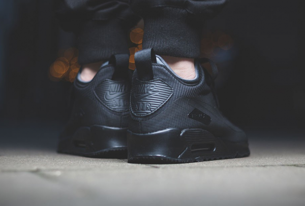 "Nike Air Max 90 Mid Winter ""Triple Black"" 3"