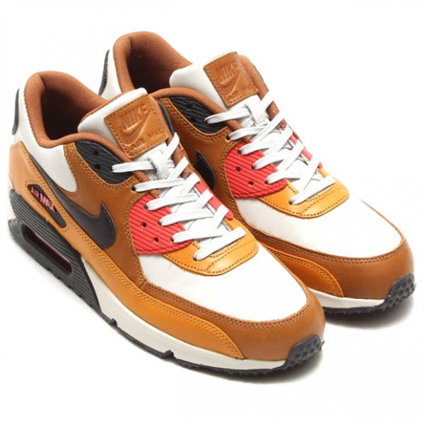 Nike Air Max 90 QS - Light Bone / Black Pine - Ale Brown 2