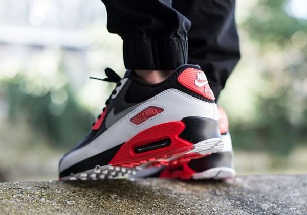 "Nike Air Max 90 ""Reverse Infrared"" 3"