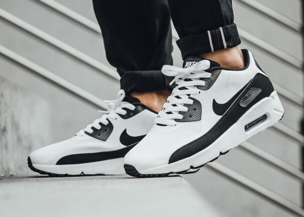 Nike Air Max 90 Ultra 2.0 Essential - White/Black 2