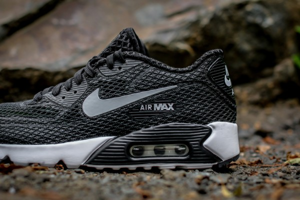 Nike Air Max 90 Ultra BR Plus QS - Black / Wolf Grey 2