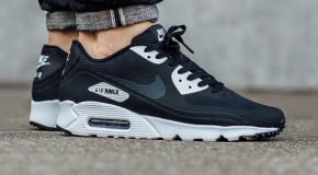 Nike Air Max 90 Ultra Essential – Black/Anthracite-White