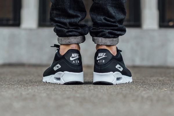 Nike Air Max 90 Ultra Essential - Black/Anthracite-White 3
