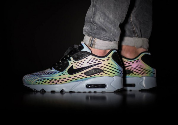 "Nike Air Max 90 Ultra Moire ""Iridescent"" 1"