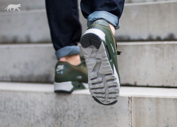 Nike Air Max 90 Ultra Moire - Medium Olive/Carbon Green-Granite 3