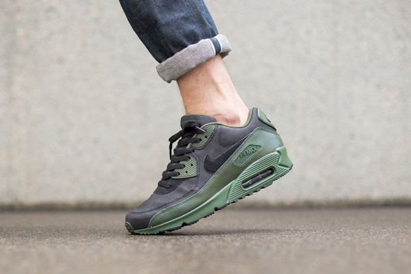 "Nike Air Max 90 Winter ""Carbon Green"" 2"