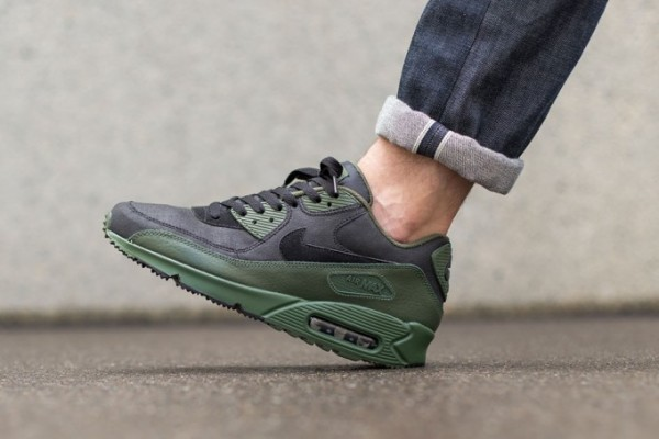 "Nike Air Max 90 Winter ""Carbon Green"" 3"