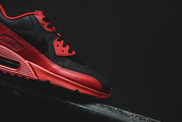 Nike Air Max 90 Winter PRM - Gym Red/Black 12