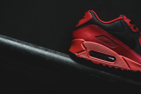 Nike Air Max 90 Winter PRM - Gym Red/Black 13