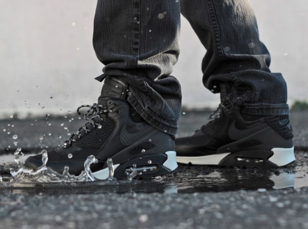 "Nike Air Max 90 Winterized Sneakerboot ""Black Reflective"" 1"