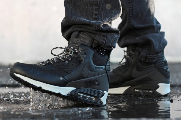 "Nike Air Max 90 Winterized Sneakerboot ""Black Reflective"" 2"