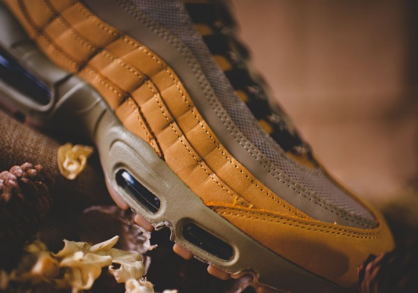 Nike Air Max 95 - Bronze/Baroque Brown-Bamboo 9