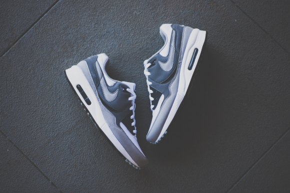 nike-air-max-light-essential-cool-grey-1