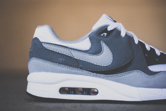 nike-air-max-light-essential-cool-grey-2