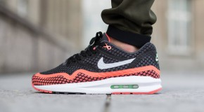 Nike Air Max Lunar1 Breeze – Black / Pure Platinum – Hot Lava