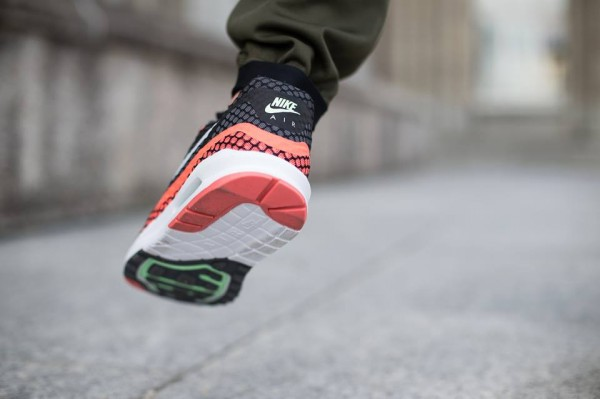 Nike Air Max Lunar1 Breeze - Black / Pure Platinum - Hot Lava 4