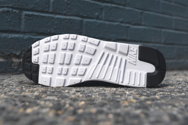 "Nike Air Max Tavas Essential ""Midnight Navy"" 5"