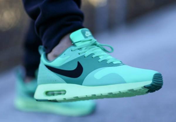 Nike Air Max Tavas – Green Glow 2