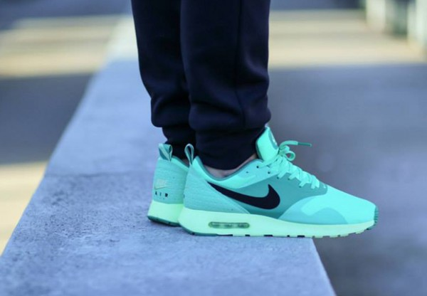 Nike Air Max Tavas – Green Glow 3