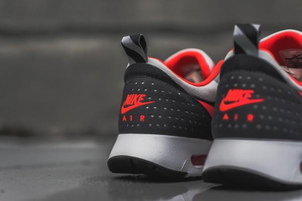 Nike Air Max Tavas - Grey / Bright Crimson 6