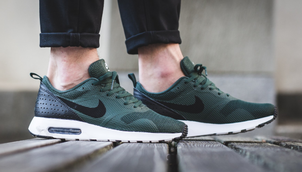 Nike Air Max Tavas - Grove Green/Black-White 2