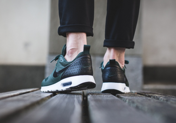Nike Air Max Tavas - Grove Green/Black-White 3