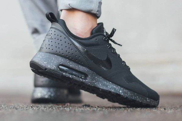Nike Air Max Tavas SE - Black/Metallic Pewter 3