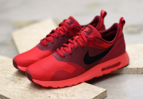 "Nike Air Max Tavas ""University Red"" 1"