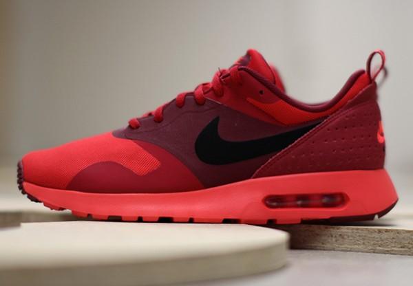 "Nike Air Max Tavas ""University Red"" 2"