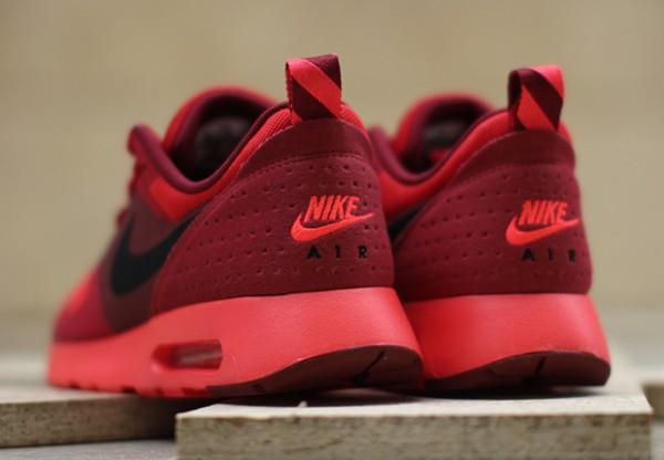 "Nike Air Max Tavas ""University Red"" 4"