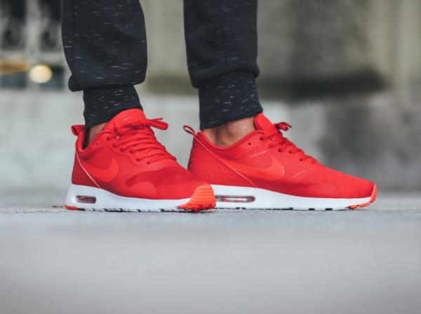 Nike Air Max Tavas - University Red/Bright Crimson-White 3