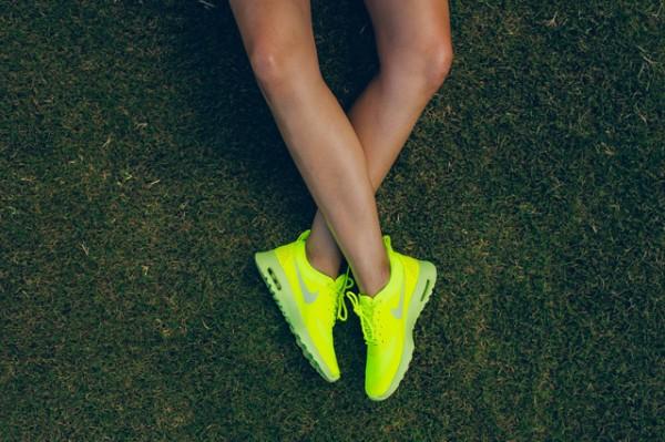 """Nike Air Max Thea """"Cyber"""" 3"""