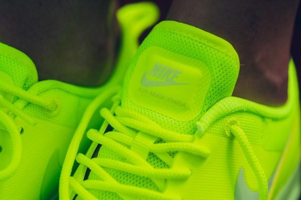 """Nike Air Max Thea """"Cyber"""" 4"""