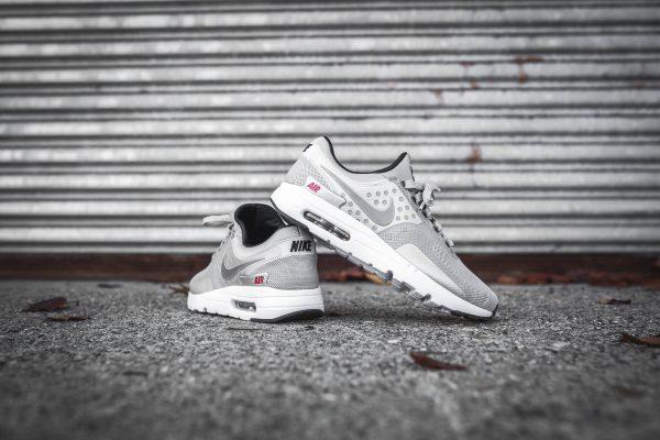 Nike Air Max Zero – Metallic Silver 4