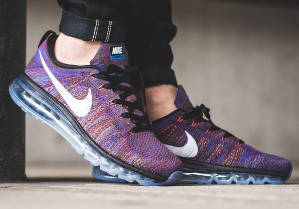 Nike Flyknit Max - Black/White-Medium Blue-Team Red 2