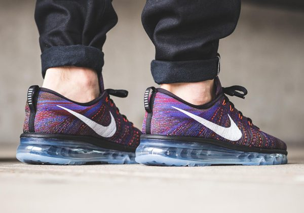 Nike Flyknit Max - Black/White-Medium Blue-Team Red 3