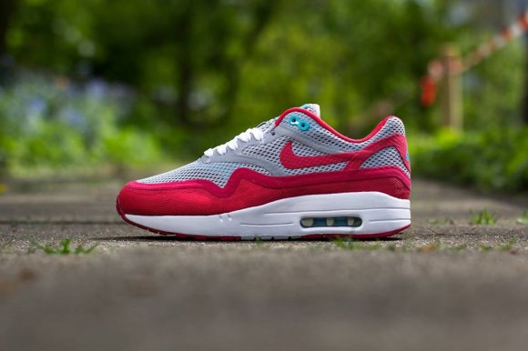 nike-wmns-air-max-1-breeze-wolf-greygeranium-polarized-blue-1