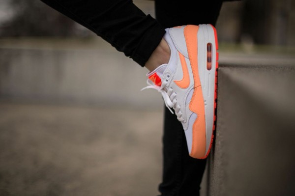 Nike WMNS Air Max 1 Essential - White / Hot Lava - Sunset Glow 2