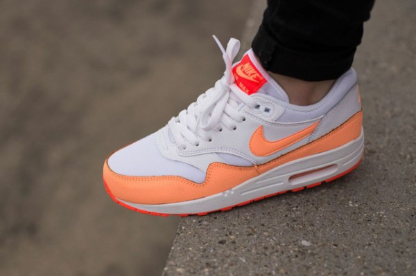 Nike WMNS Air Max 1 Essential - White / Hot Lava - Sunset Glow 3