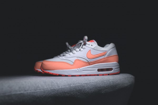 Nike WMNS Air Max 1 Essential - White / Hot Lava - Sunset Glow 4